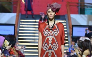 Batik Bermotif Tenun Sumba Koleksi Alleira Ramadhan