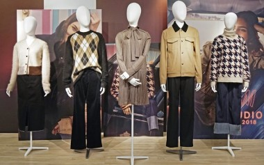 Gaya 50's Movie Star pada Koleksi H&M Studio AW2018