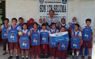 Hansaplast Salurkan Dana Pendidikan & Kesehatan untuk Anak Indonesia