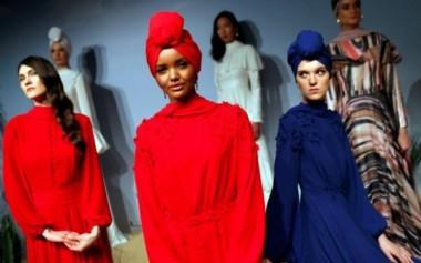 Rancangan Pertama Halima Aden untuk Modanisa Segera Dirilis