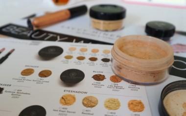 Segala Keunggulan Mineral Makeup plus Essential Oil dalam Savvy Minerals